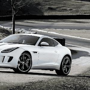Jaguar F-Type Coupé - Divulgação