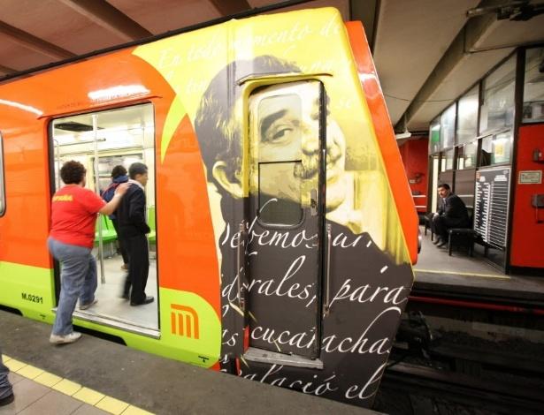 Metrô da Cidade do México presta homenagem ao escritor Gabriel García Márquez, morto em abril - Sáshenka Gutiérrez/EFE