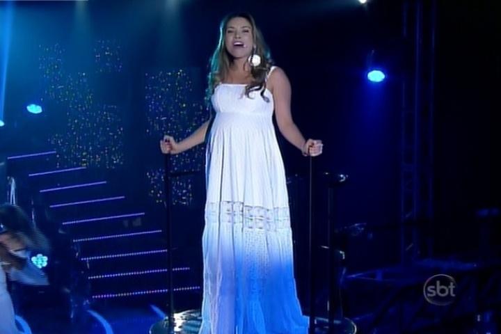 2.jun.2014 - Patrícia Abravanel faz cover de Ivete Sangalo no