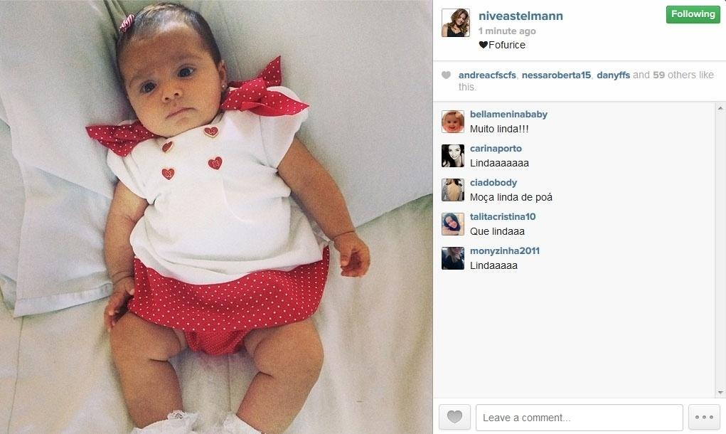 3.jun.2014 - Nivea Stelmann posta foto da filha Bruna, do seu casamento com o empresário Marcus Rocha.