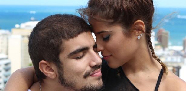 """Caio Castro e Camila Camargo terão um caso no filme """"Travessia"""""""