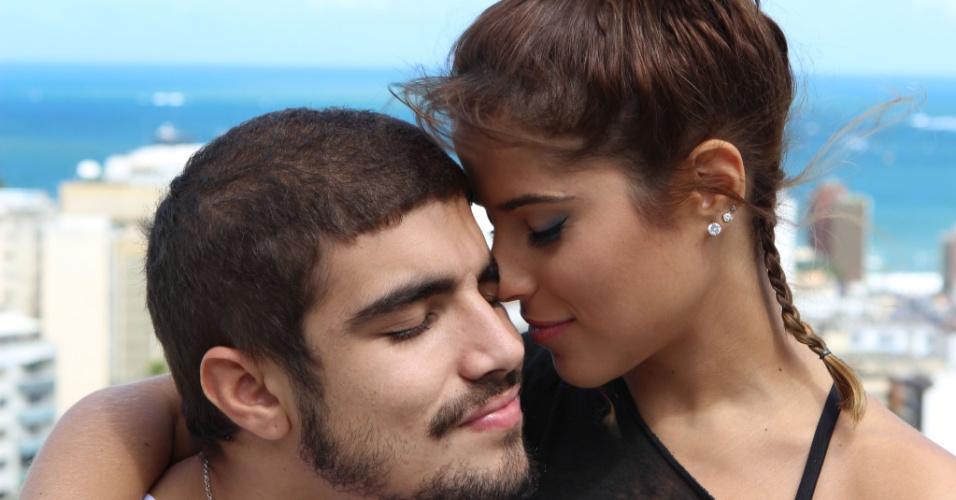 Caio Castro e Camila Camargo terão um caso no filme
