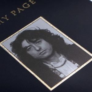 Capa do livro de Jimmy Page, lançado em tiragem limitada em 2010 - Divulgação