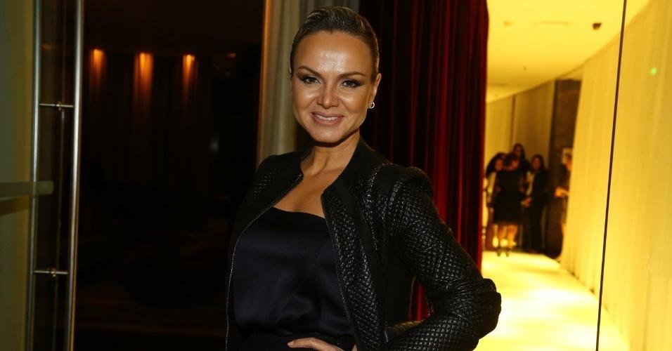 3.jun.2014 - Eliana chega à festa da Chanel no Hotel Fasano em Ipanema, na zona sul do Rio de Janeiro