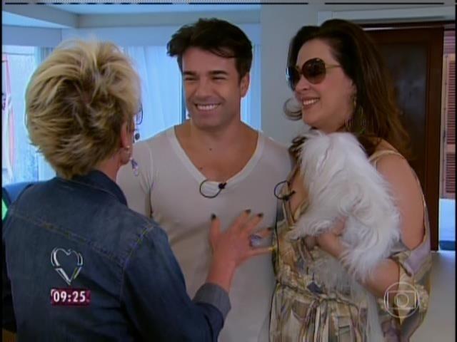 6.jun.2014 - Claudia Raia e Jarbas Homem de Mello conversam com Ana Maria Braga no