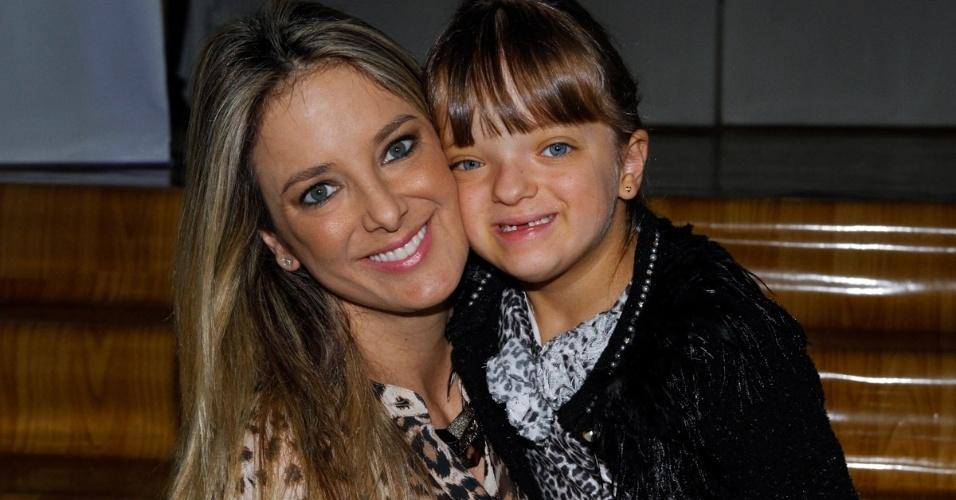 7.jun.2014 - Ticiane Pinheiro e Rafinha Justus no aniversário das filhas de Rodrigo Faro em buffet infantil no bairro de Moema, em São Paulo