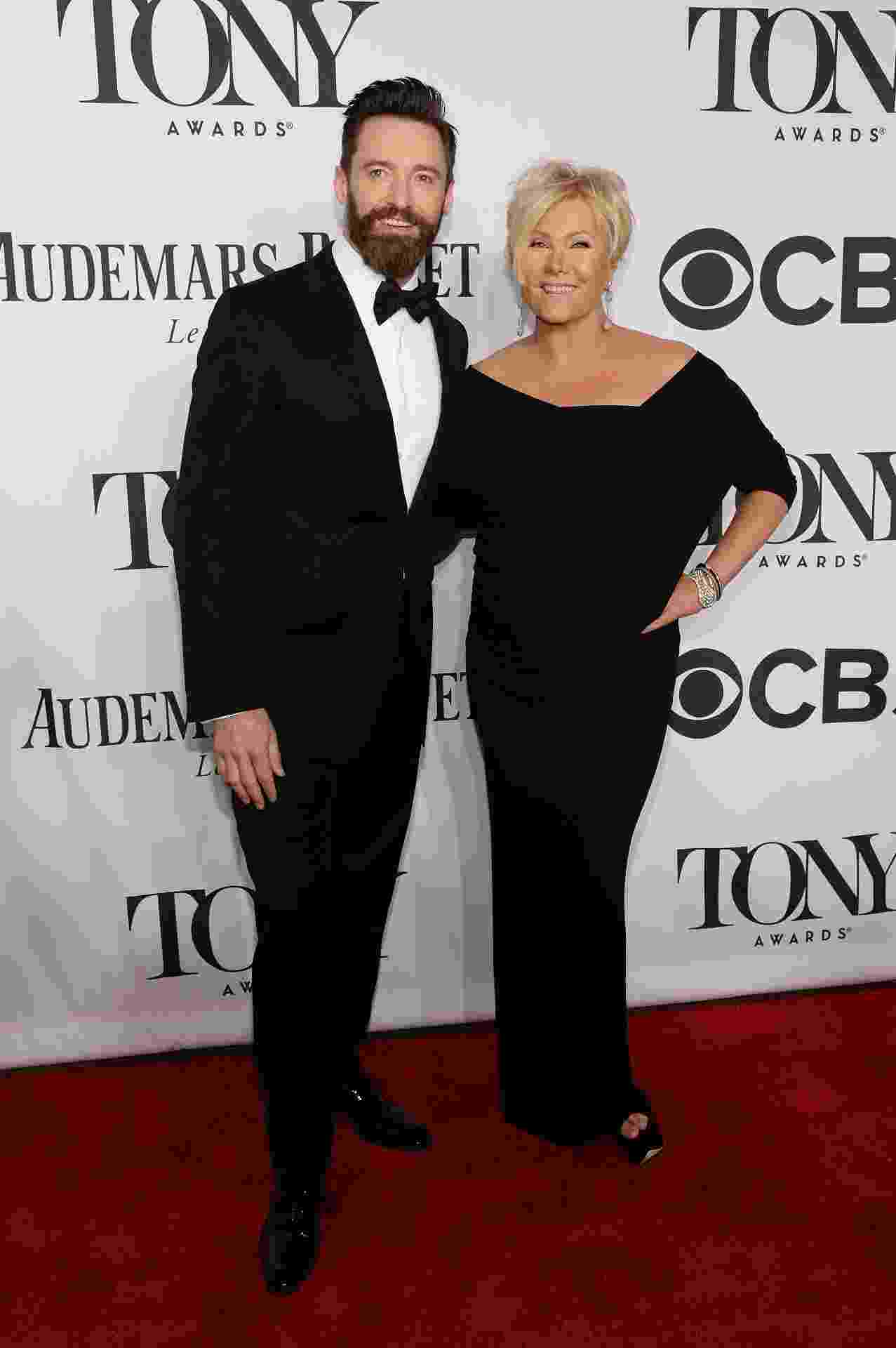 08.jun.2014 - Deborra-Lee Furness e Hugh Jackman chegam para o Tony Awards 2014 no Radio City Music Hall, em Nova York - Getty Images