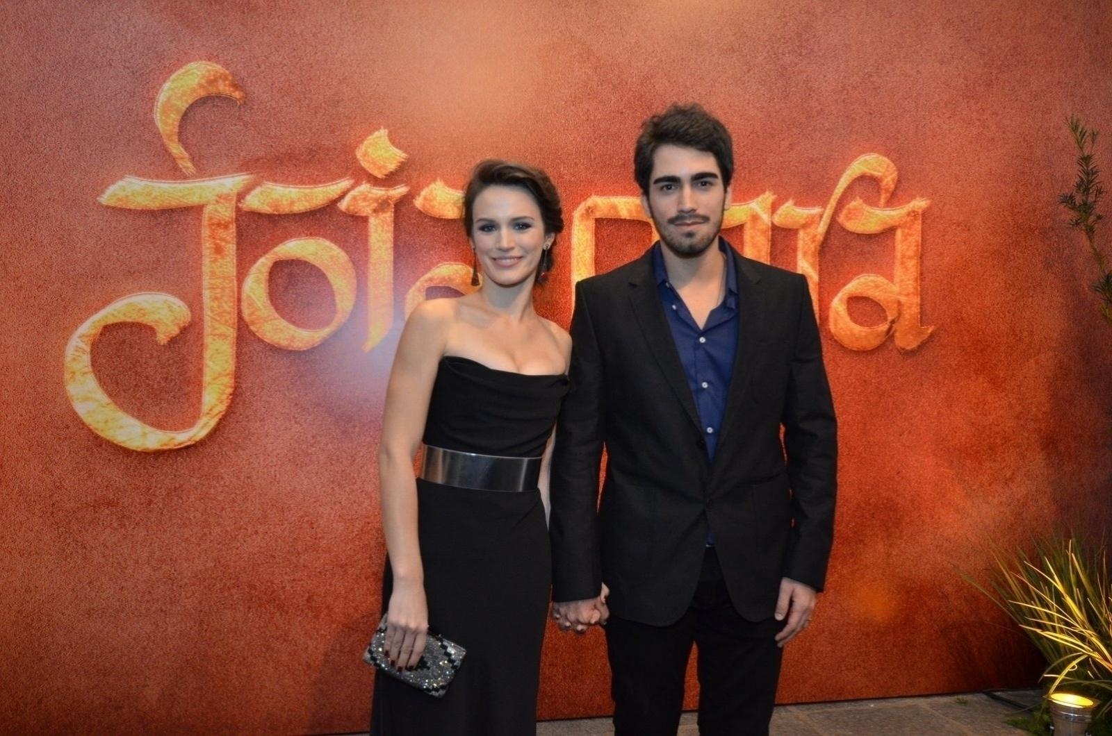A atriz Bianca Bin e o namorado Pedro Brandão namoram desde 2011