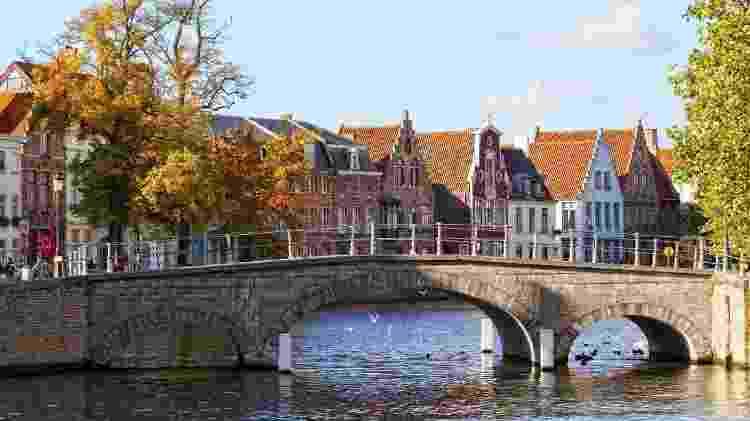 BÉLGICA: Bruges é considerada a Veneza do Norte, pois assim como a cidade italiana, é cortada por diversos canais - Thinkstock - Thinkstock