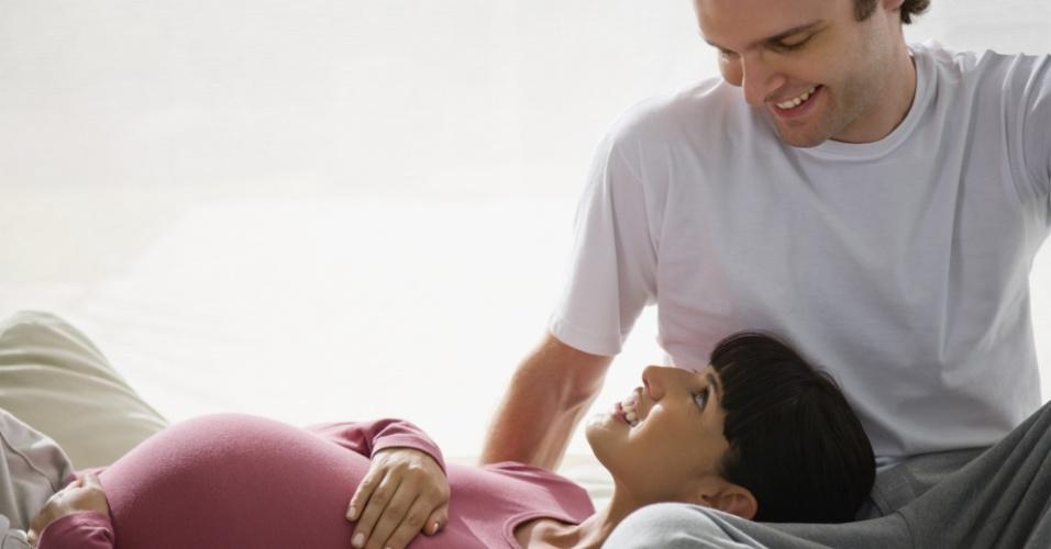 casal, mulher grávida, tratamento infertilidade