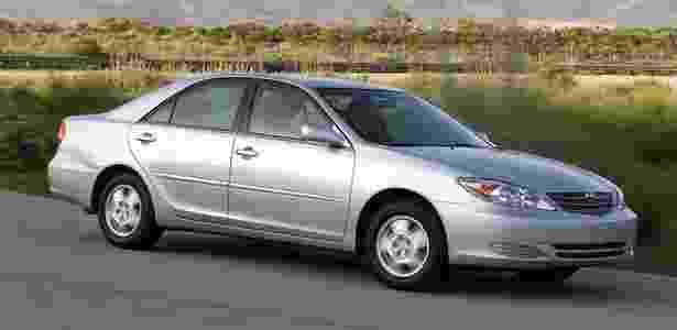 Toyota Camry 2002 - Divulgação - Divulgação