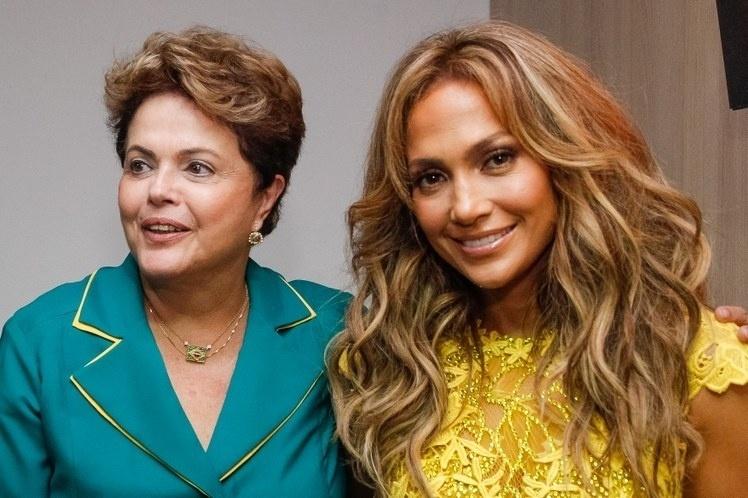 12.jun.2014- Conta oficial do Palácio do Planalto divulga foto do encontro entre a cantora Jennifer Lopez a presidente do Brasil Dilma Rousseff na Arena Corinthians, em São paulo, onde ocorrer o primeiro jogo da Copa