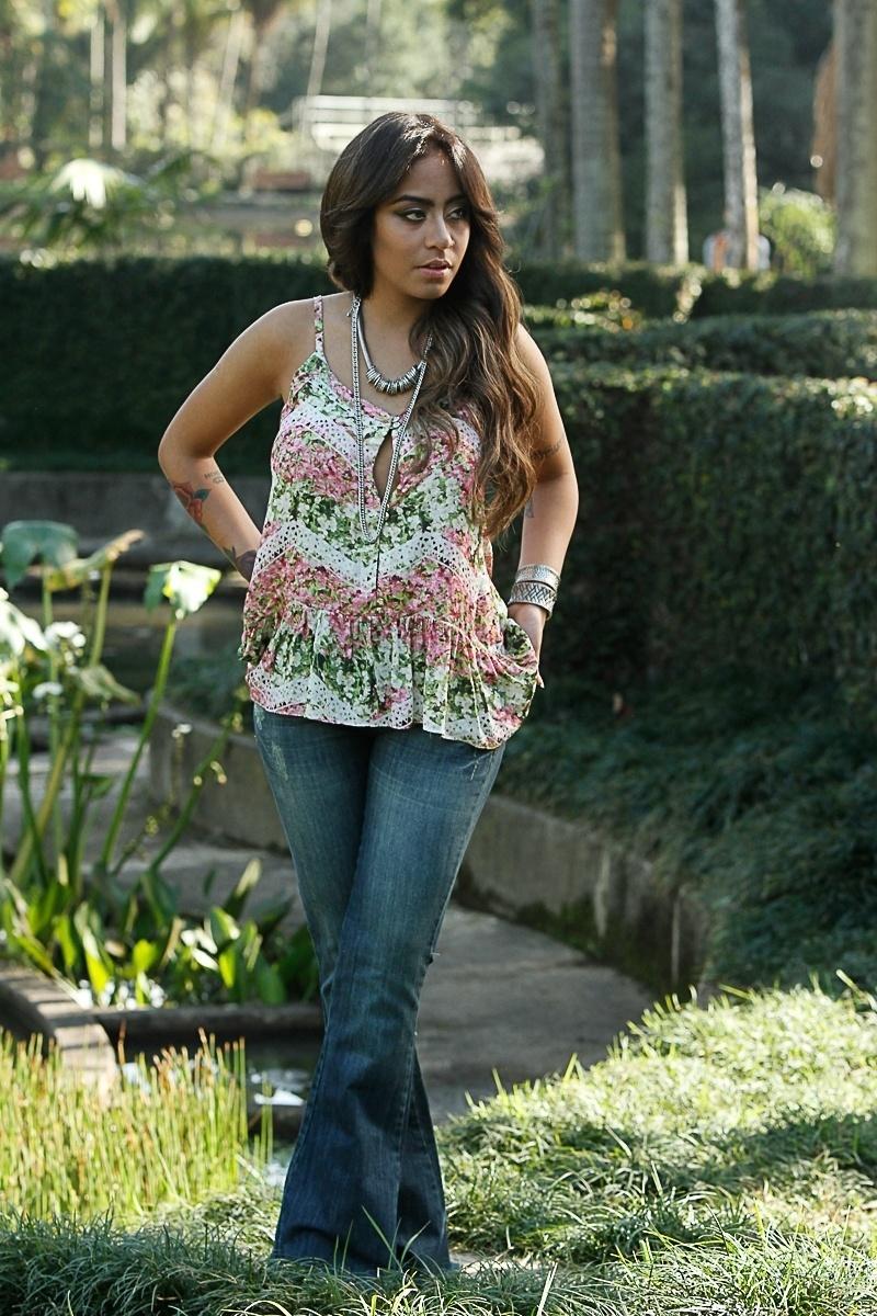 13.jun.2014 - Rafaella Santos, a irmã de Neymar, faz ensaio no Jardim Botânico de São Paulo. Ela é garota propaganda de uma marca de roupas