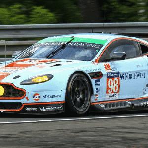 Aston Martin V8 Vantage - Divulgação