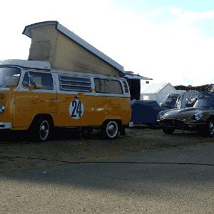 Jaguar E-Type e Volkswagen Kombi nas 24 Horas de Le Mans - Leonardo Felix/UOL