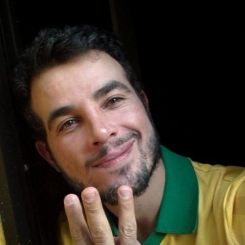 17.jun.2014 - Anderson Di Rizzi aposta no placar de 3 x 0 para o Brasil, que enfrente o México em Fortaleza