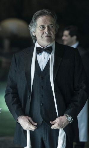 Bernardo Rezende (José de Abreu) em cena da novela