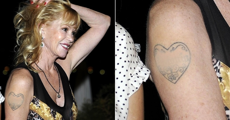 17.jun.2014 - Melanie Griffith cobre nome de Antonio Banderas em tatuagem. A atriz apareceu no festival de cinema de Taormina, na Itália, com o primeiro nome do ex-marido coberto na tatuagem de coração que possui no braço direito