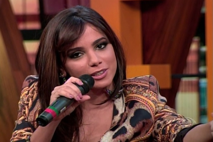 18.jun.2014 - Anitta participa do
