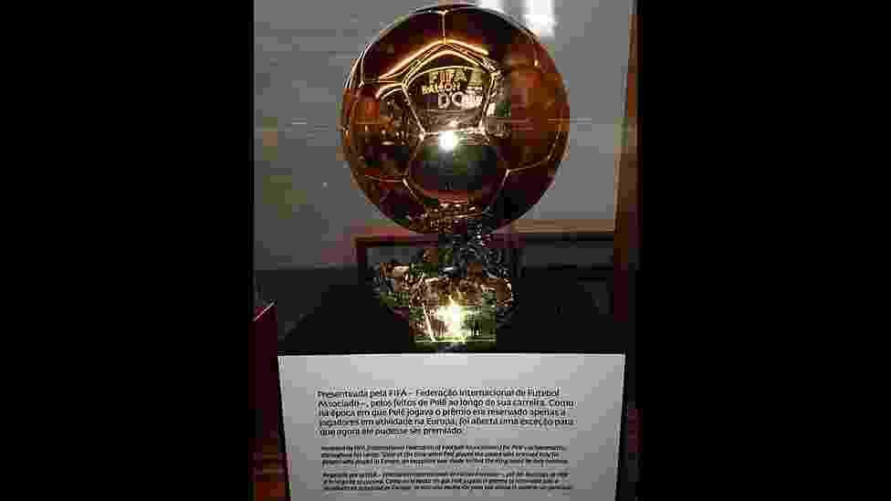 Bolo de Ouro Honorária da Fifa no Museu Pelé, em Santos - Marcelo Rovai/Secretaria de Turismo de Santos
