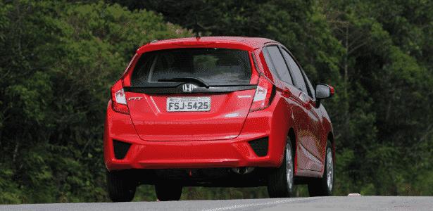 Traseira Honda Fit LX CVT - Murilo Góes/UOL - Murilo Góes/UOL