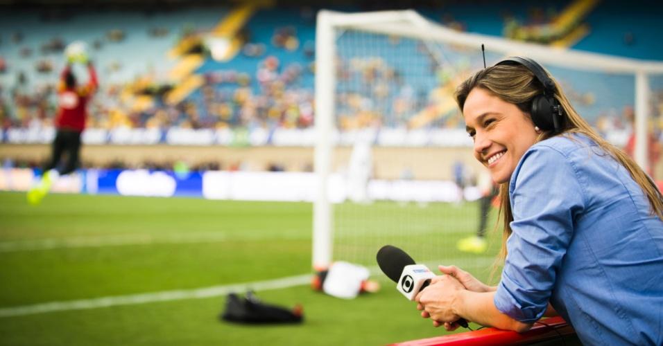 Jun.2014 - Fernanda Gentil é um dos destaques da cobertura de Copa do Mundo na TV Globo