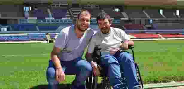 Os jornalistas GIuliano Giovanetti e Paulo Fabião visitam o estádio Rei Pelé, em Maceió, onde a seleção de Gana está treinando para a Copa do Mundo - Divulgação - Divulgação