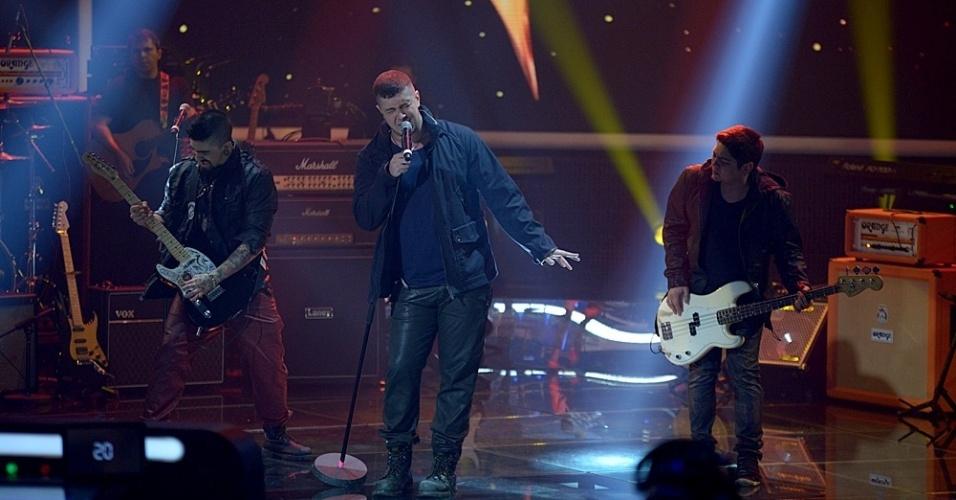 """22.jun.2014 - Banda Malta toca a música própria """"Lendas"""" e recebe 82% dos votos"""