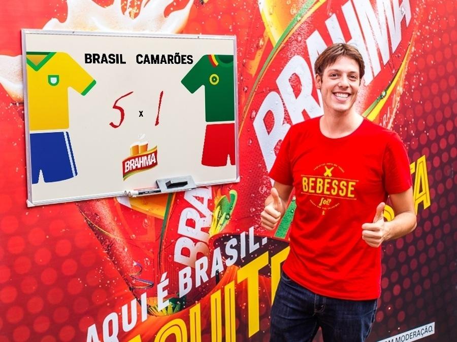 23.jun.2014 - Fábio Porchat arrisca um placar de 5 gols para o Brasil e apenas 1 para Camarões