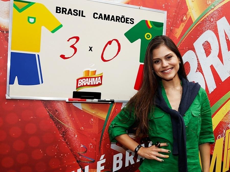 23.jun.2014 - Na opinião de Jessika Alves, o Brasil não terá muitos problemas ao enfrentar a equipe de Camarões. A atriz aposta em um placar de 3 a 0