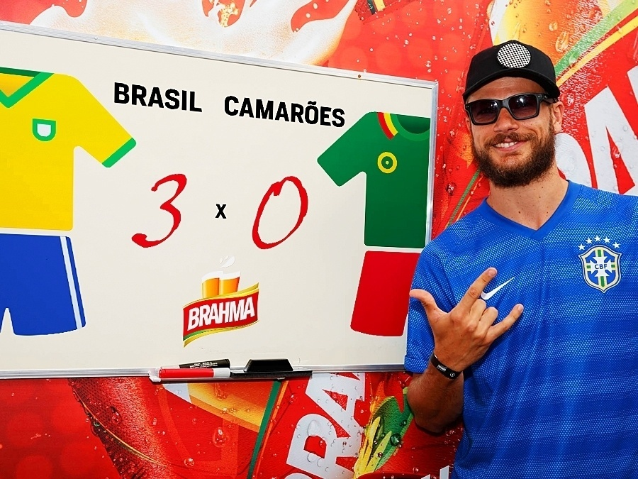 23.jun.2014 - Rodrigo Hilbert aposta em uma vitória de 3 a 0 para o Brasil no jogo contra Camarões, em Brasília