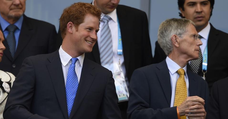 24.jun.2014 - Príncipe Harry acompanha jogo da Inglaterra contra a Costa Rica no estádio Mineirão, em Belo Horizonte.