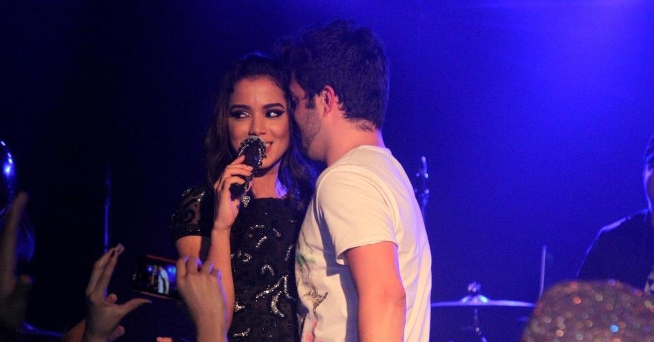 24.jun.2014 - Anitta faz show na boate Club A, na zona sul de São Paulo