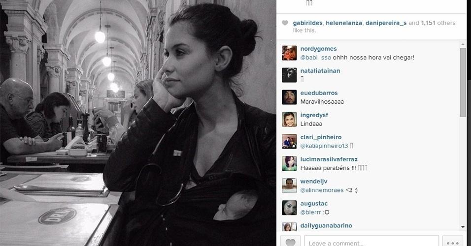 25.jun.2014 - Alinne Moraes divulgou no Instagram uma foto de seu filho, Pedro, de um mês e meio