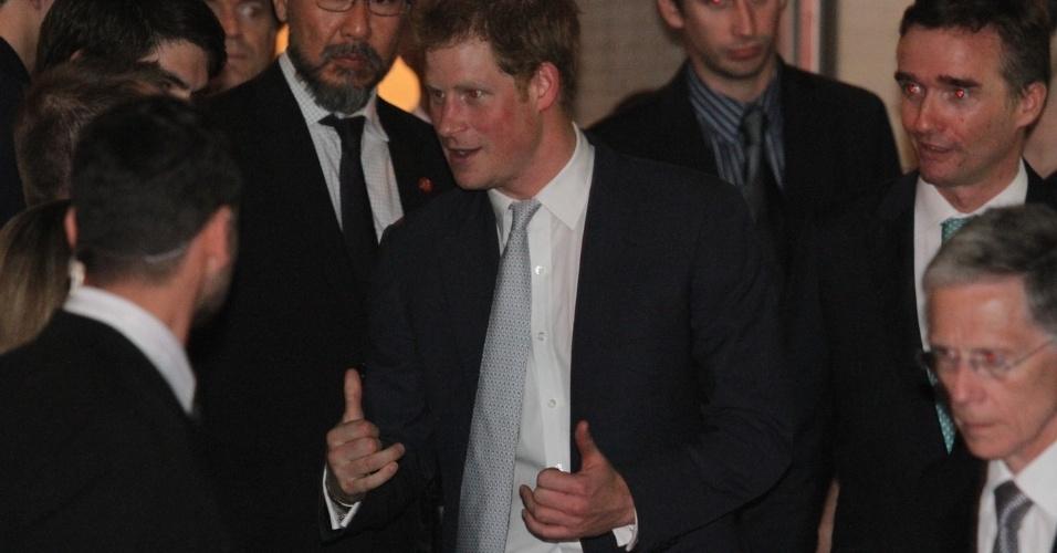 25.jun.2014 - Príncipe Harry deixa a Casa Britânico Brasileira onde participou de um jantar em homenagem ao aniversário da Rainha Elizabeth II, em São Paulo