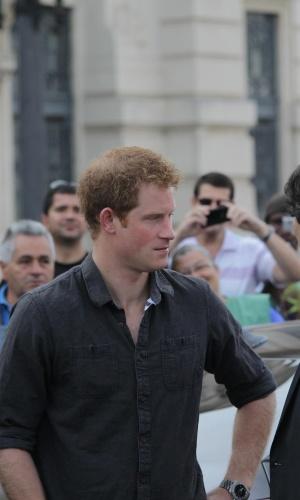 26.jun.2014 - Em São Paulo, Príncipe Harry conhece a região da Cracolândia. O filho mais novo de Charles e Diana foi conhecer o programa De Braços Abertos, que trabalha com a recuperação de viciados em crack