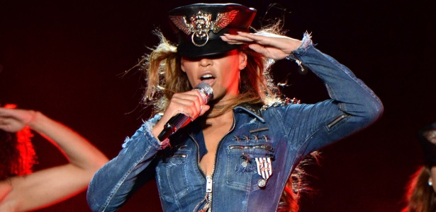 25.jun.2014 - Beyoncé durante a estreia da turnê On the Run, em Miami - Divulgação/Diesel