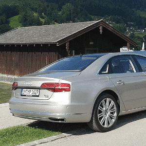 MERCEDES S 500, O Audi A8L 4.0 TFSI - Leonardo Felix/UOL
