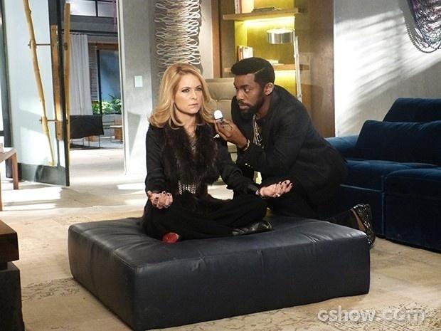 Brian dá uma energizada em Pamela