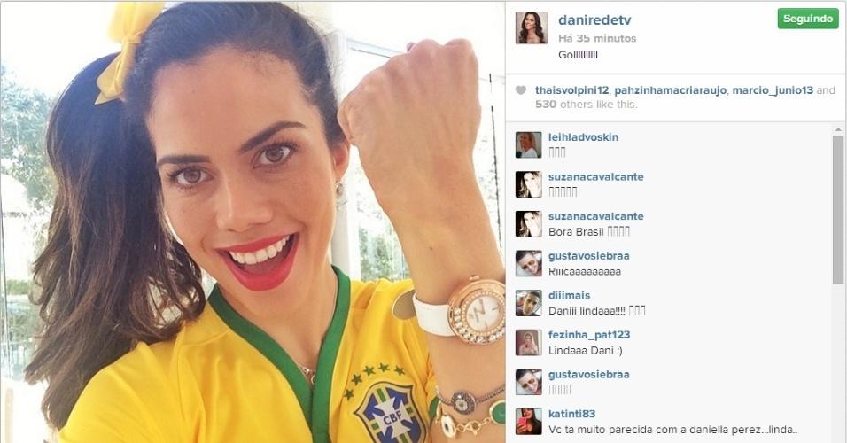 28.jun.2014 - A apresentadora da RedeTV! Daniela Albuquerque comemorou o gol do Brasil sobre o Chile e publicou uma foto em seu Instagram