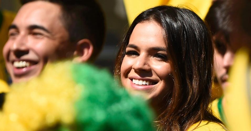28.jun.2014 - A atriz Bruna Marquezine, namorada de Neymar, é fotografada no Mineirão em partida do Brasil contra o Chile
