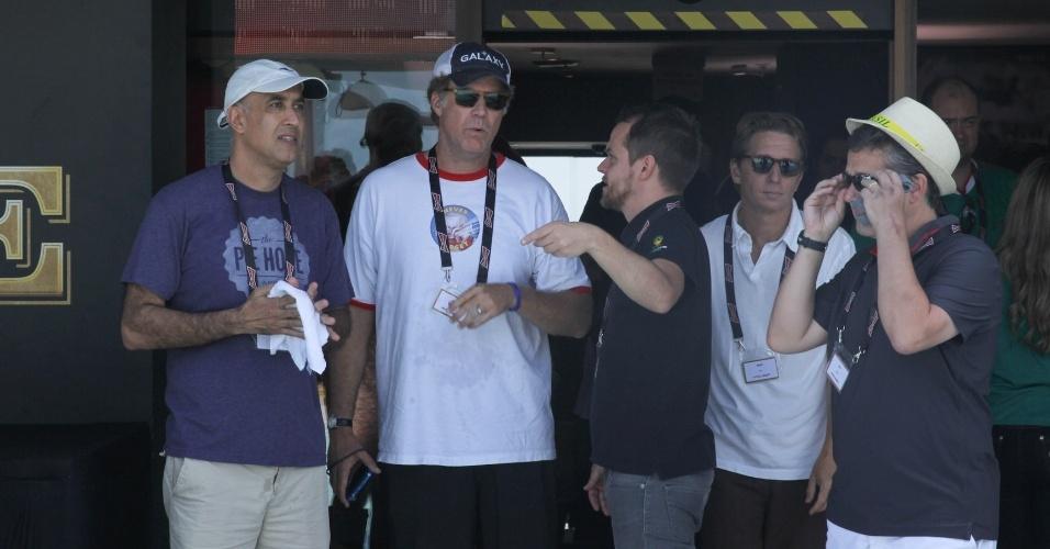 28.jun.2014 - O ator americano Will Ferrell acompanha o jogo Brasil x Chile no Hotel Bud, no Rio