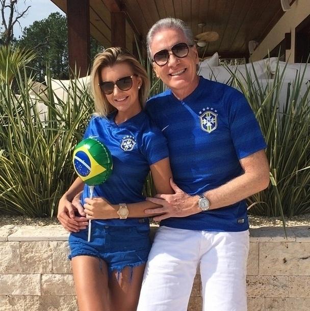 28.jun.2014 - Roberto Justus publica foto no Instagram com a namorada  Ana Paula Siebert
