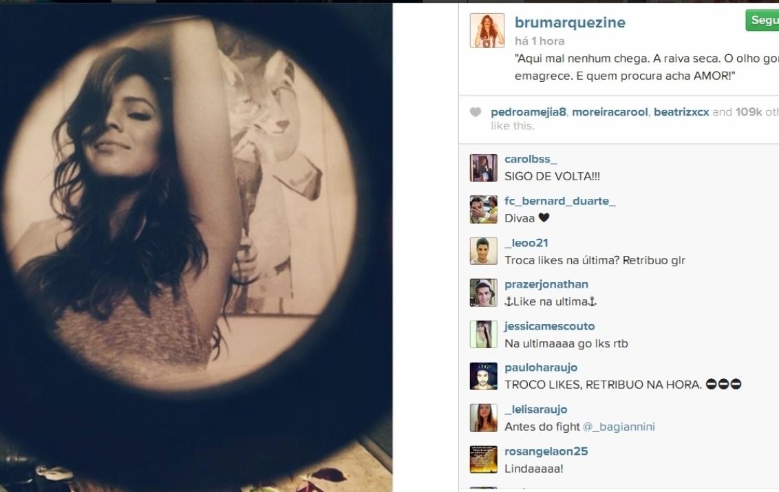 29.jun.2014- Bruna Marquezine espanta olho gordo em mensagem na legenda de uma foto em que publicou em seu Instagram.