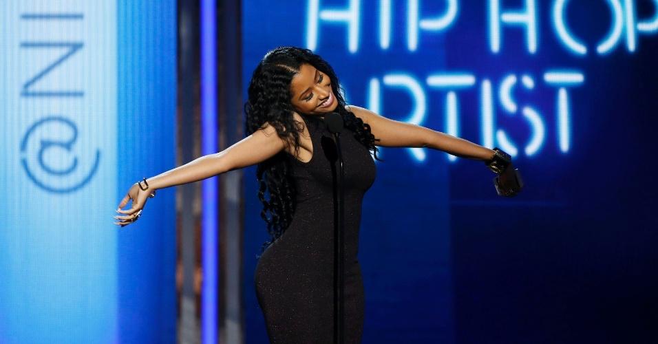 """29.jun.2014 - Nicki Minaj surpreendeu a todos ao dizer, durante discurso ao receber o prêmio de artista feminino de hip-hop, no BET Awards 2014, que """"quase"""" morreu recentemente"""