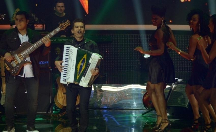 30.jun.2014- Luan e Forró Estilizado encerra os shows em noite de Top 6 com 62% dos votos e garante vaga na final
