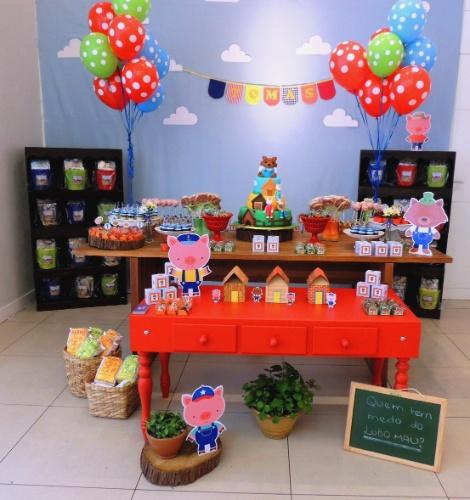 A empresa Mania de Fita (www.maniadefita.com.br) foi a responsável por essa decoração inspirada na história