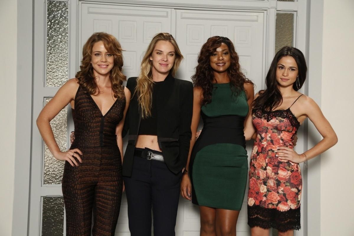 1.jul.2014 - As atrizes Leandra Leal, Letícia Birkheuer, Cris Vianna e Nanda Costa no lançamento de