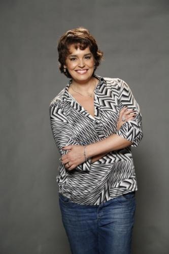 """1.jul.2014 - Atriz Suzy Rêgo posa no lançamento da novela """"Império"""", da Globo"""