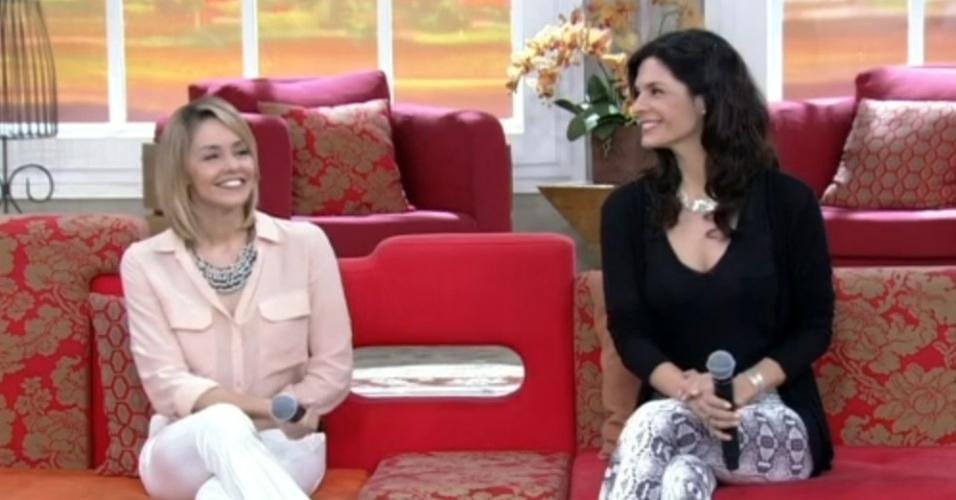 1.jul.2014 - Bianca Rinaldi e Helena Ranaldi comentam disputa de Cadu (Reynaldo Gianecchini) por Silvia e Verônica na novela
